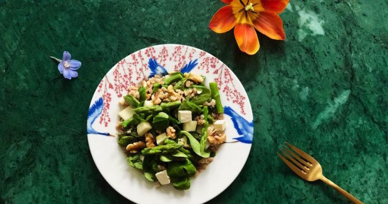 Speltsalade met peer en groene aspergetips
